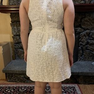 Nicole Dresses - Lovely White Lace V Neck Summer Dress Sz 12/14